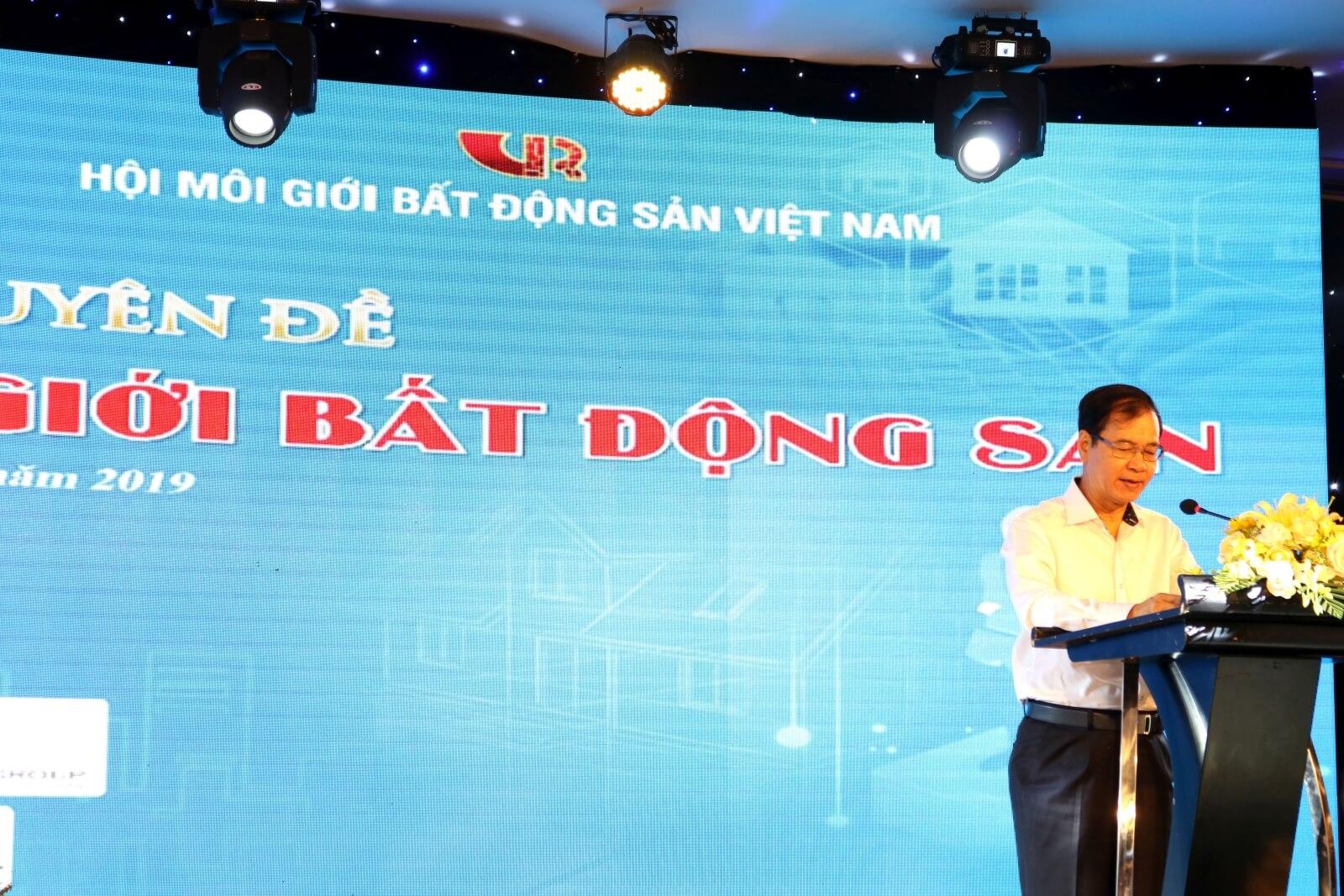 Ông Nguyễn Mạnh Hà - Chủ tịch Hội Môi giới Bất động sản Việt Nam phát biểu